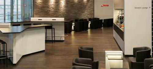 ZRH LX Senator Lounge OK