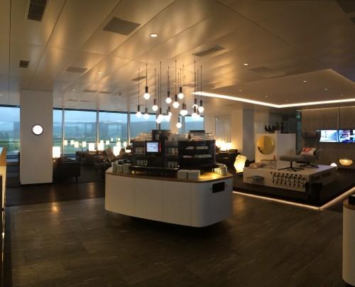 Swiss business class lounge E Zurich