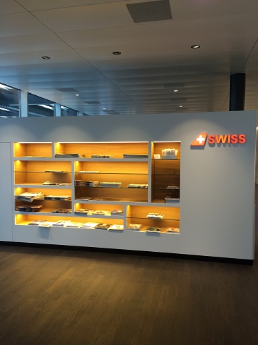 SWISS business lounge entry