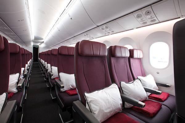 Qantas Dreamliner, Economy.