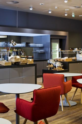 Austrian Airlines Senators Lounge Vienna Airport