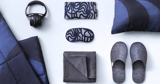 Finnair business class amenity kit and slippers