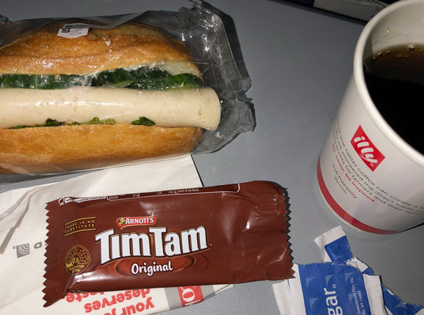 United Airlines Economy Plus Mid-Flight Snack